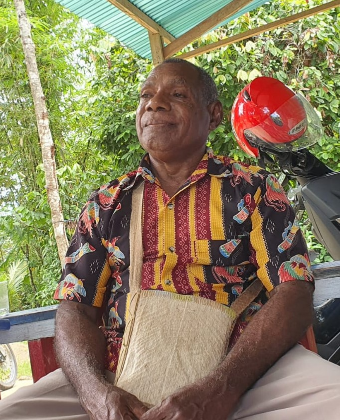 Romelus Surbay (Kepala Suku Oburuaw Kaimana)
